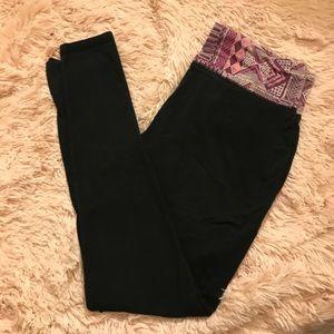 Black Yoga Leggings with Printed Waist Band